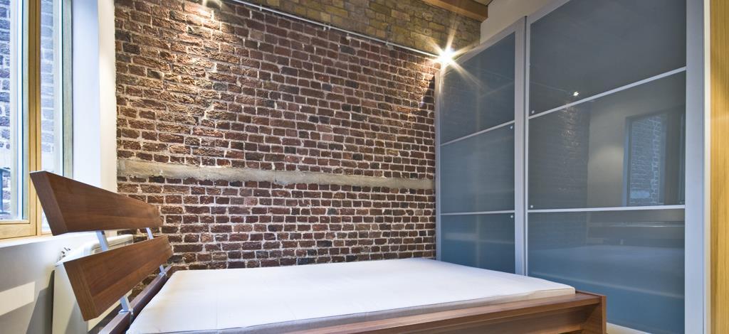 ארון הזזה מודרני מזכוכית איכותית