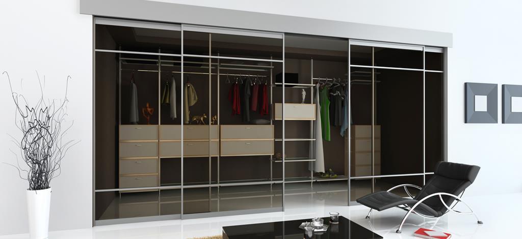 ארון הזזה זכוכית בעיצוב מודרני וחדשני