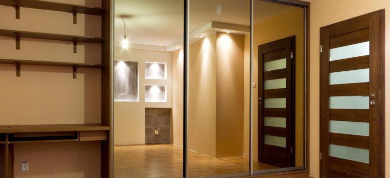 ארון הזזה מעוצב עם מראה 3 דלתות