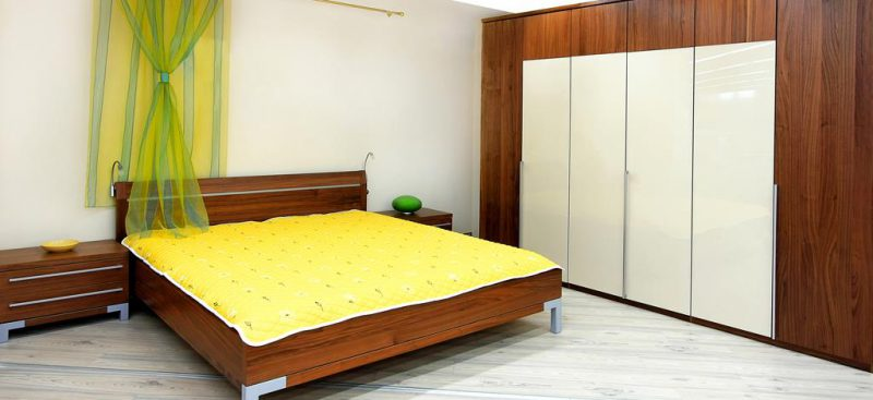 ארונות הזזה פינתיים בחדרי שינה